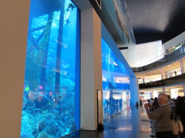 Aquarium in the Dubai Mall.